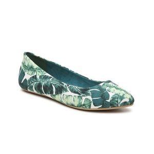 NIB Kelly & Katie Pirassa Ballet Flat Palm